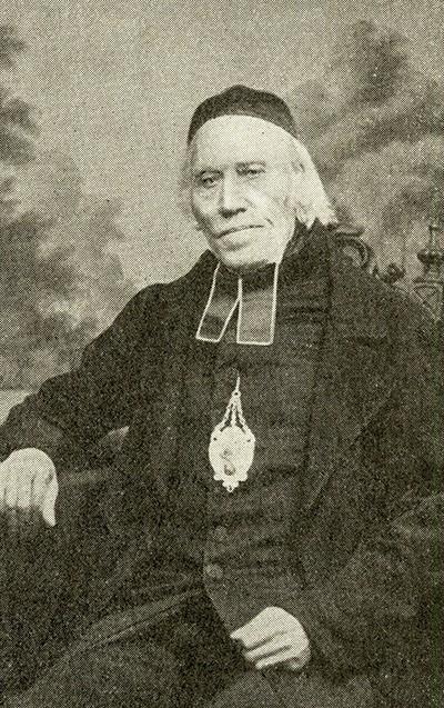 Porträt von Pfarrer Hennes