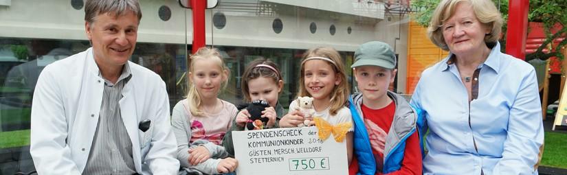 Erstkommunionkinder spenden 750 Euro an Hilfe für krebskranke Kinder e.V. Aachen