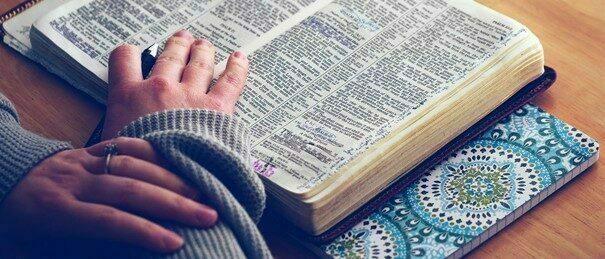 """""""Wo zwei oder drei…zur Lectio Divina versammelt sind"""" … der Bibel online begegnen"""